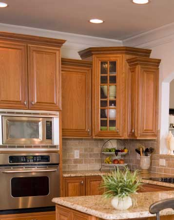 putting crown molding on kitchen cabinets installing crown molding on kitchen cabinets 25013